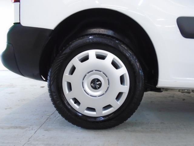2015 Peugeot Partner 850 S 1.6 Hdi 92 Van [Sld] (NU15FHM) Image 14