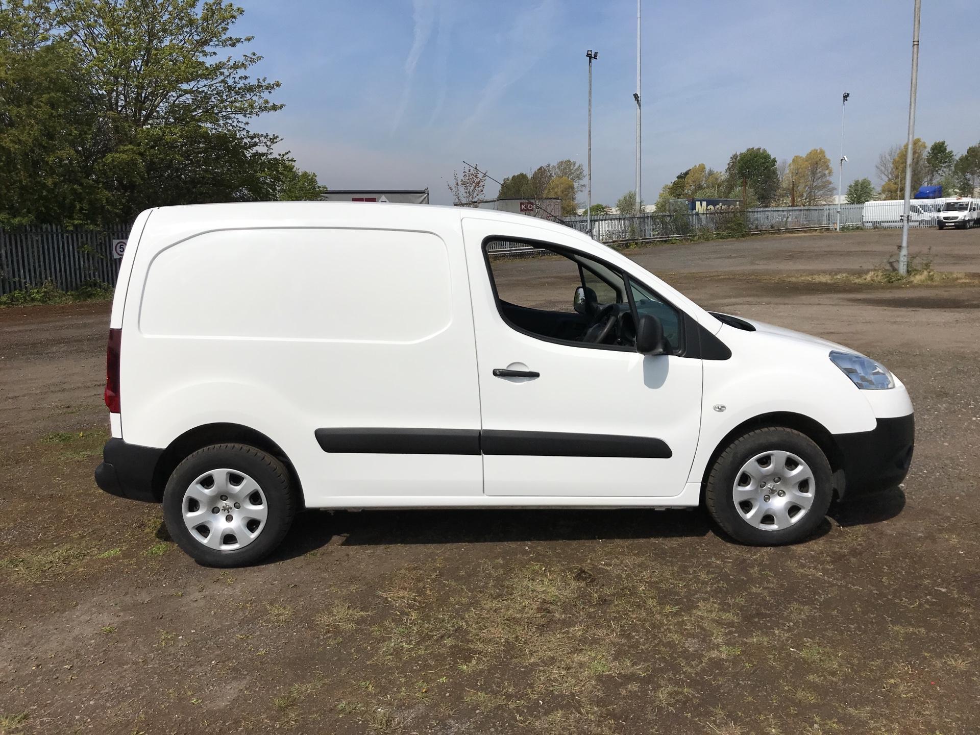 2015 Peugeot Partner L1 850 S 1.6 92PS (SLD) EURO 5 (NU15FJN) Image 2