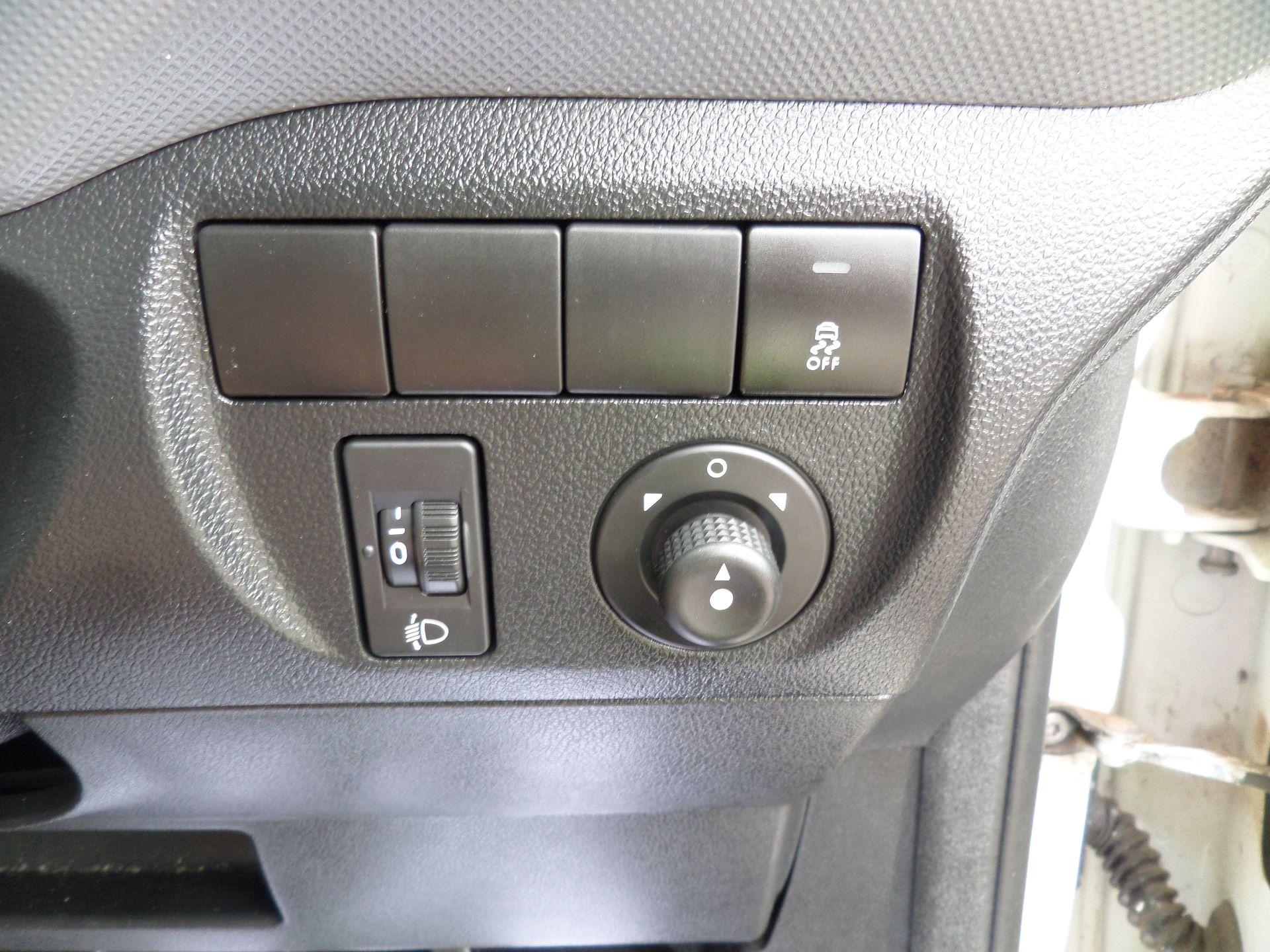 2015 Peugeot Partner 850 S 1.6 Hdi 92 Van [Sld] Euro 5 (NU15LJF) Image 14