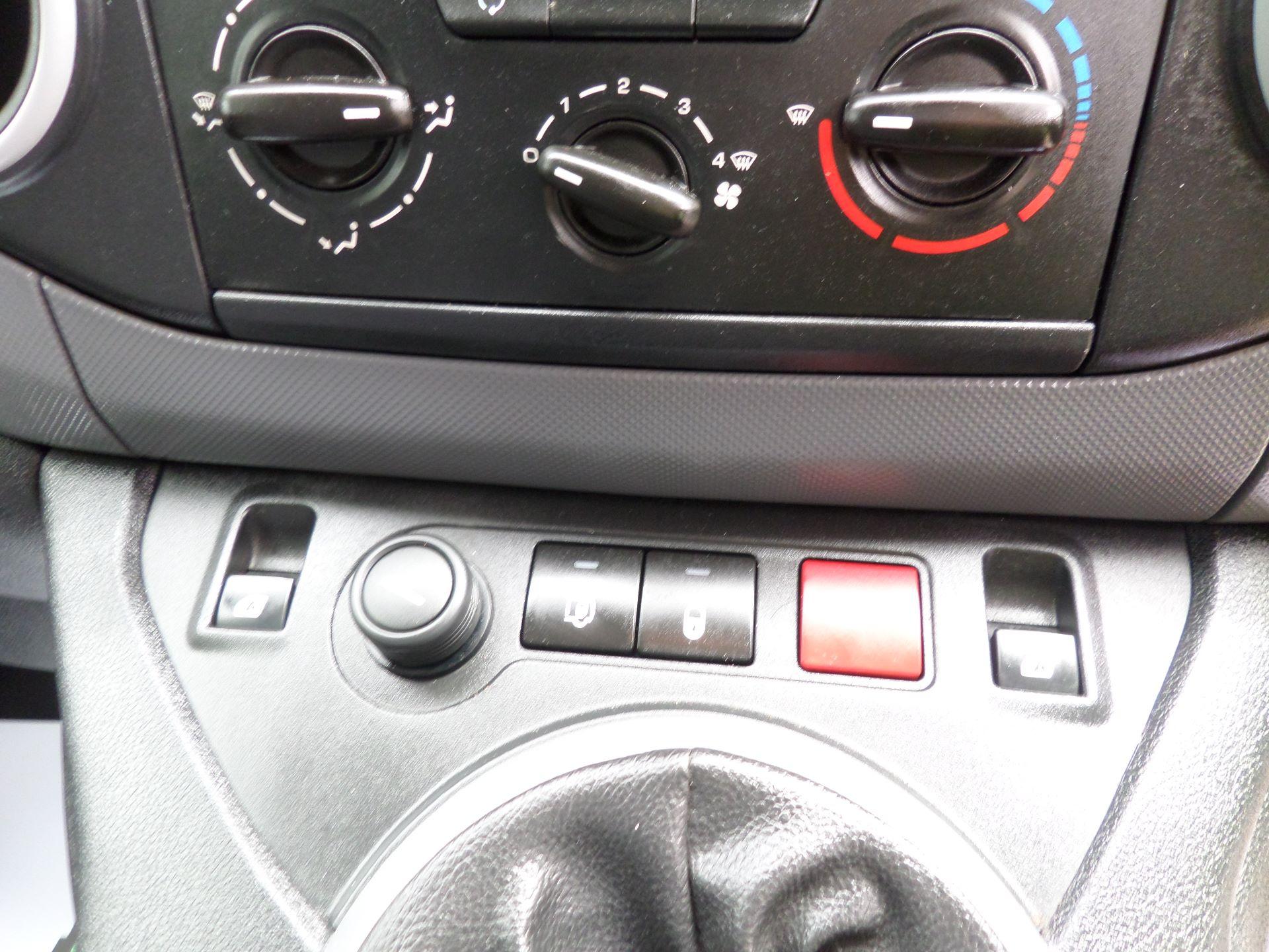 2015 Peugeot Partner 850 S 1.6 Hdi 92 Van [Sld] Euro 5 (NU15LJF) Image 13