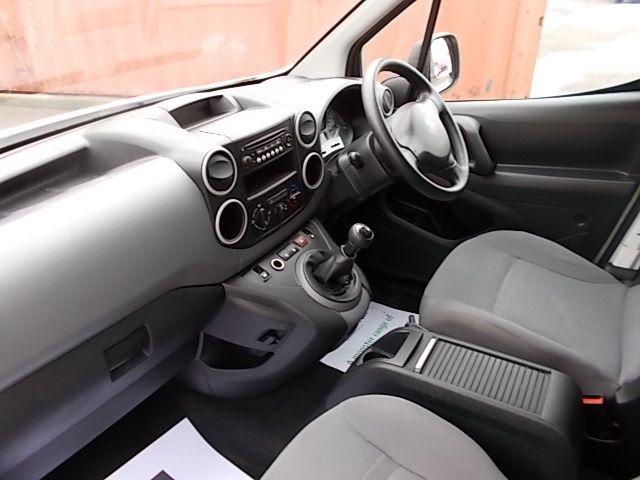 2015 Peugeot Partner L1 850 S 1.6 92PS (SLD) EURO 5 (NU15RSV) Image 17