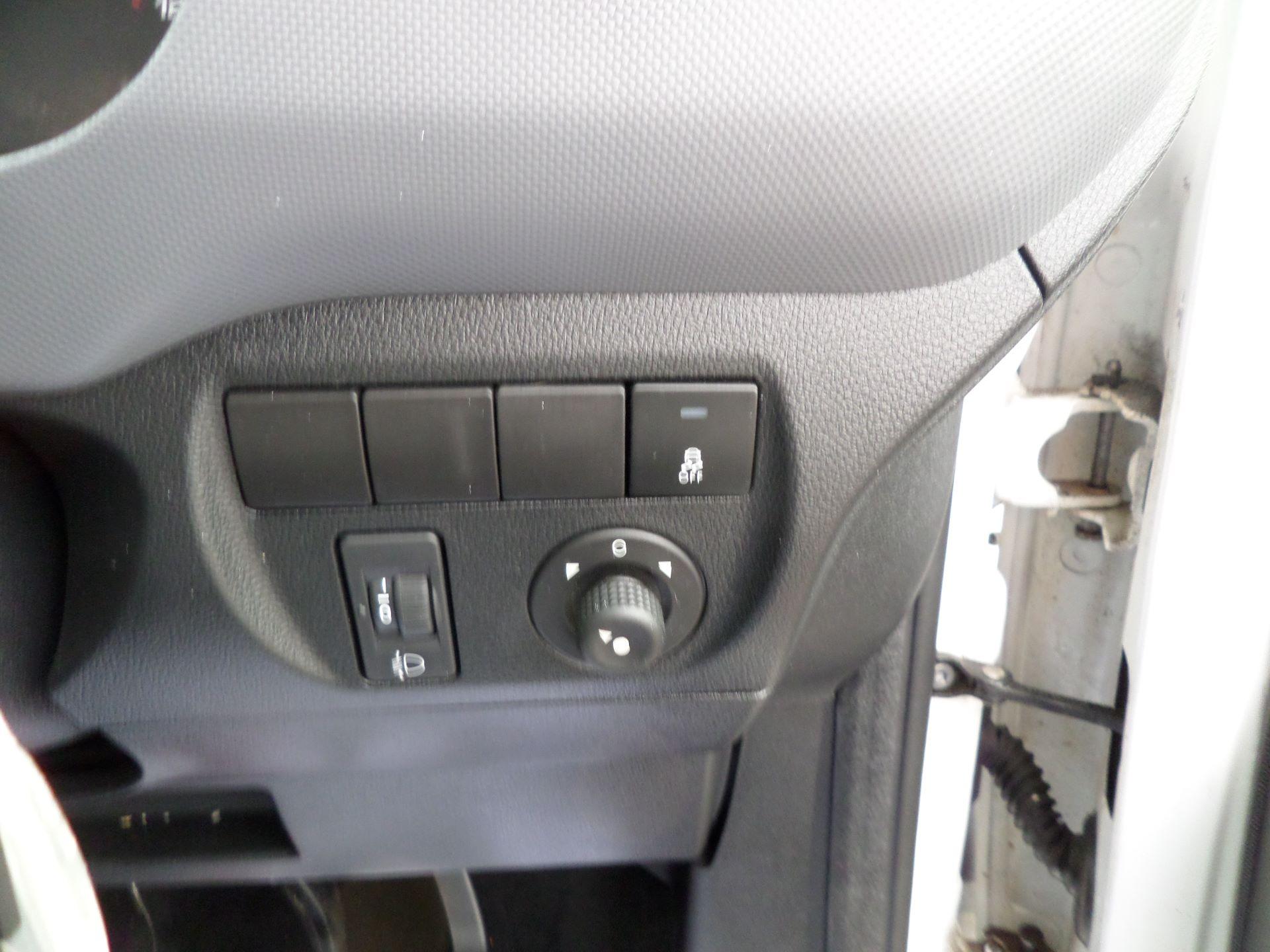 2016 Peugeot Partner 850 S 1.6 Hdi 92 Van [Sld] Euro 5 (NU16AGY) Image 14