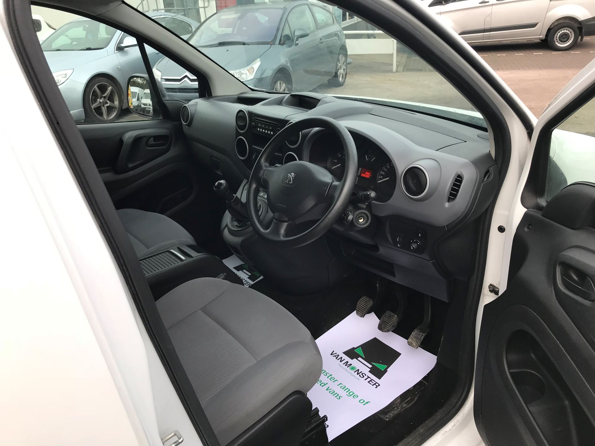 2016 Peugeot Partner L1 850 S 1.6 92PS [SLD] EURO 5 (NU16AMO) Image 18