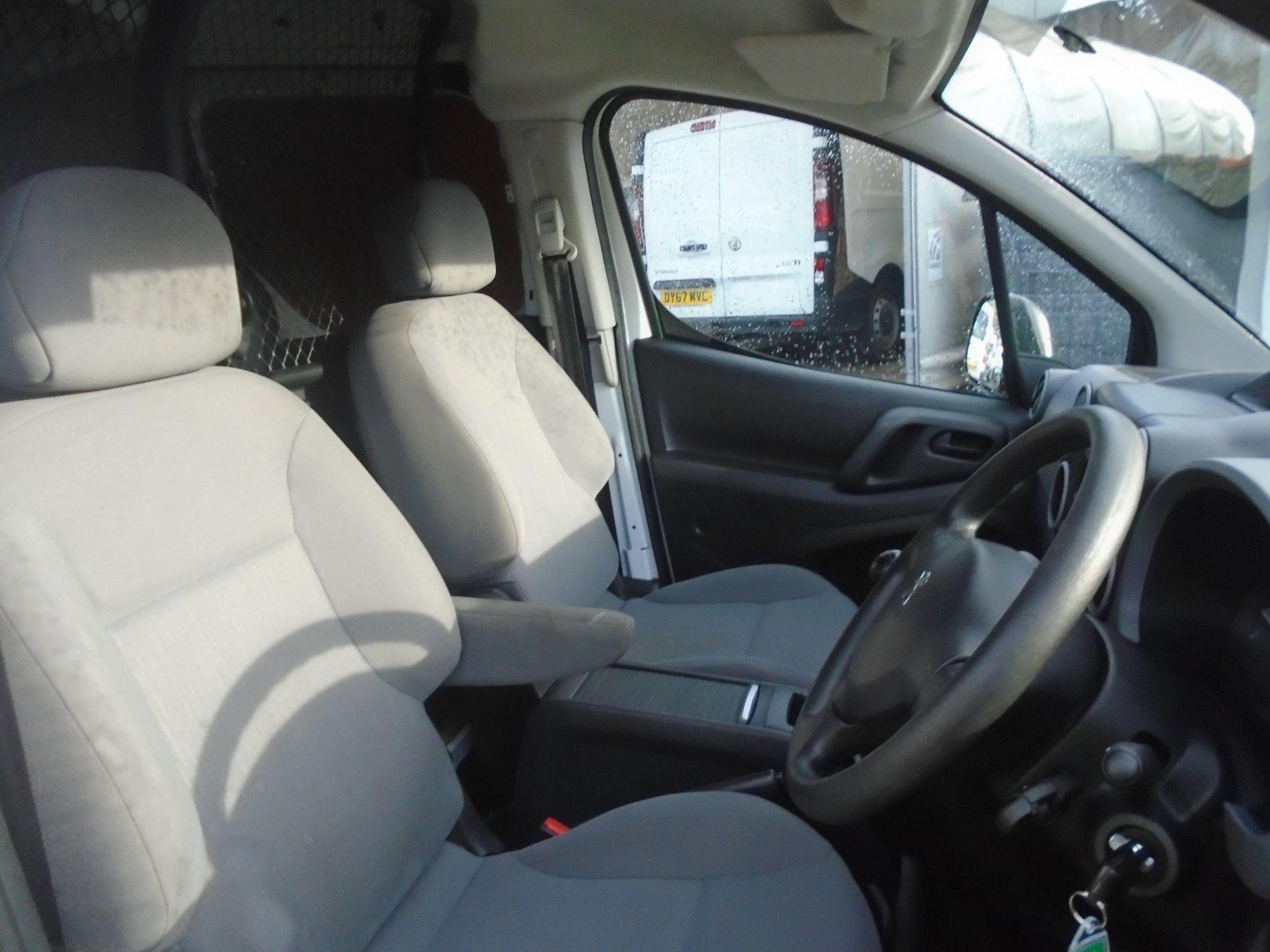 2016 Peugeot Partner 850 S 1.6 Hdi 92 Van [Sld] (NU16ATZ) Image 17