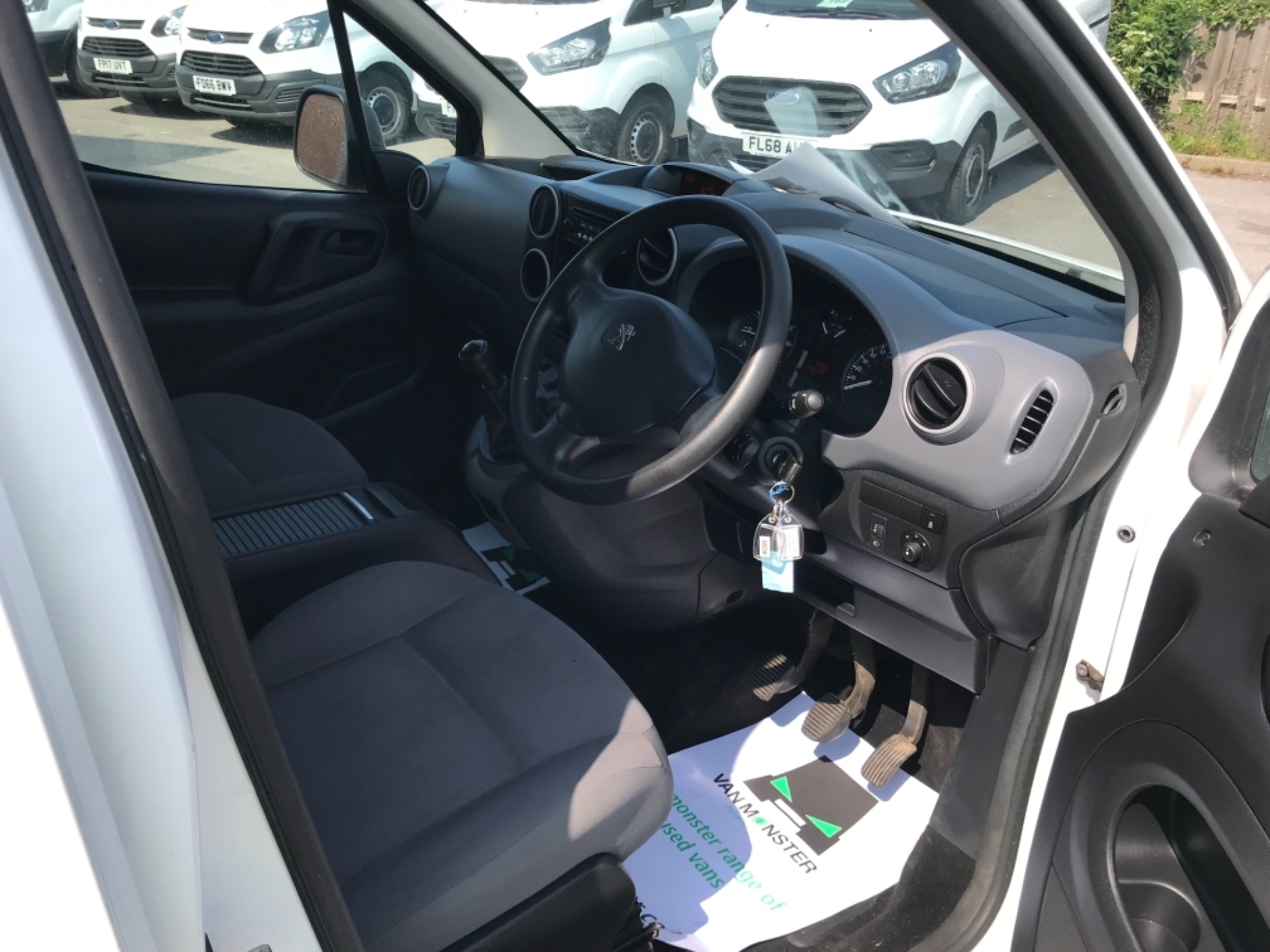 2016 Peugeot Partner L2 715 S 1.6 92PS CREW VAN EURO 5 (NU16HDN) Image 11