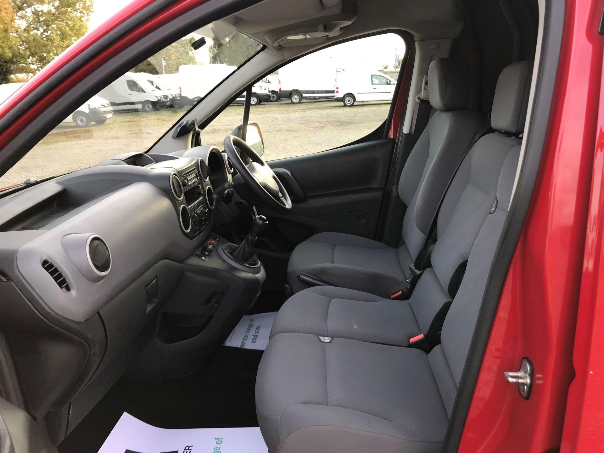 2016 Peugeot Partner  L1 850 SE 1.6 92PS EURO 5 RESTRICTED TO 70MPH (NU16HFP) Image 14