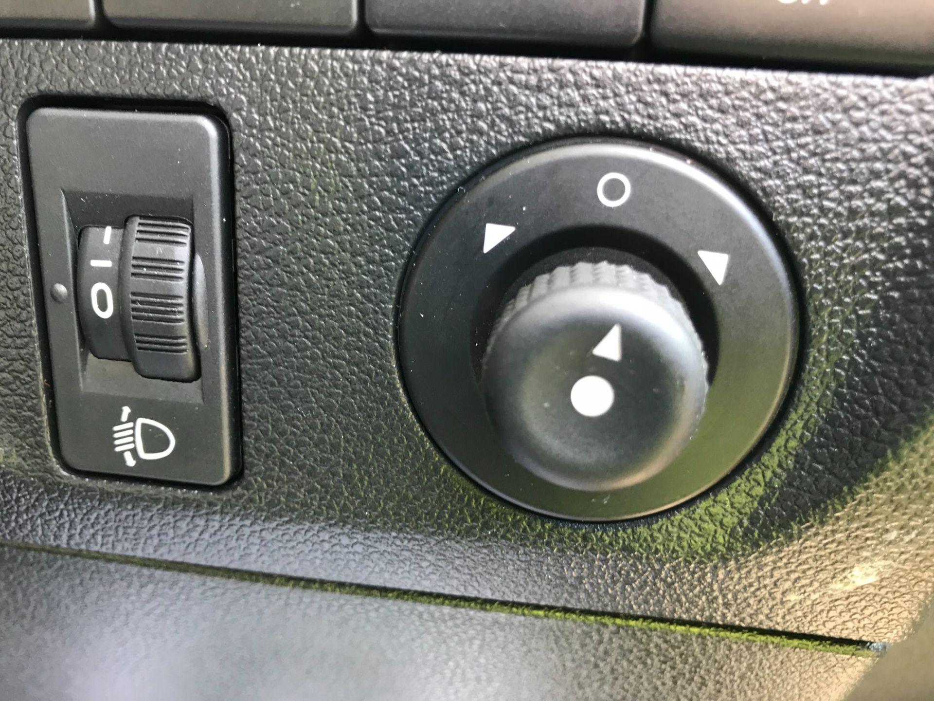 2016 Peugeot Partner L2 715 S 1.6 92PS CREW VAN EURO 5 (NU16LWP) Image 24
