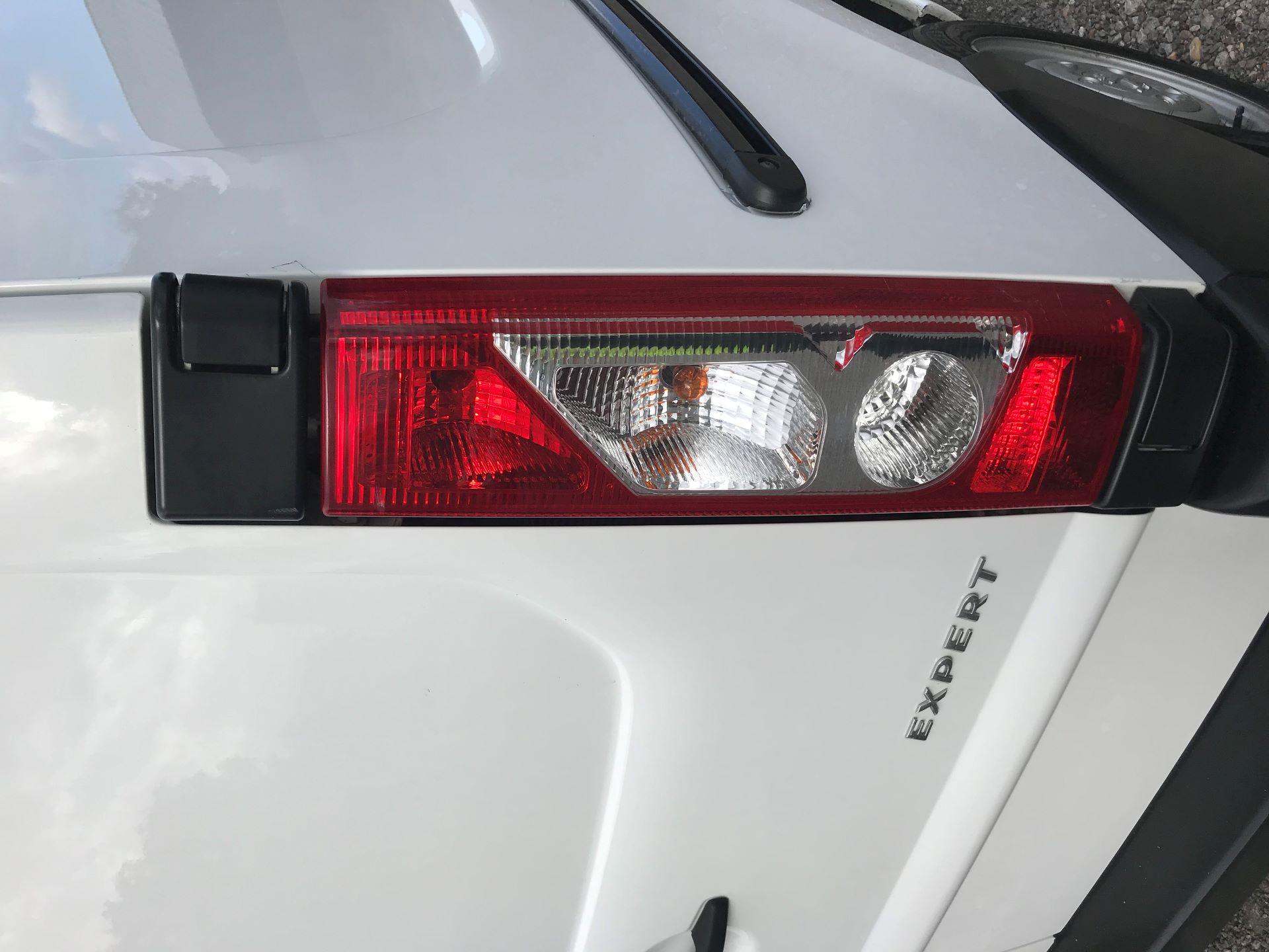 2016 Peugeot Expert  L1 H1 1000 1.6 HDI 90BHP  EURO 5 (NU16LWS) Image 15