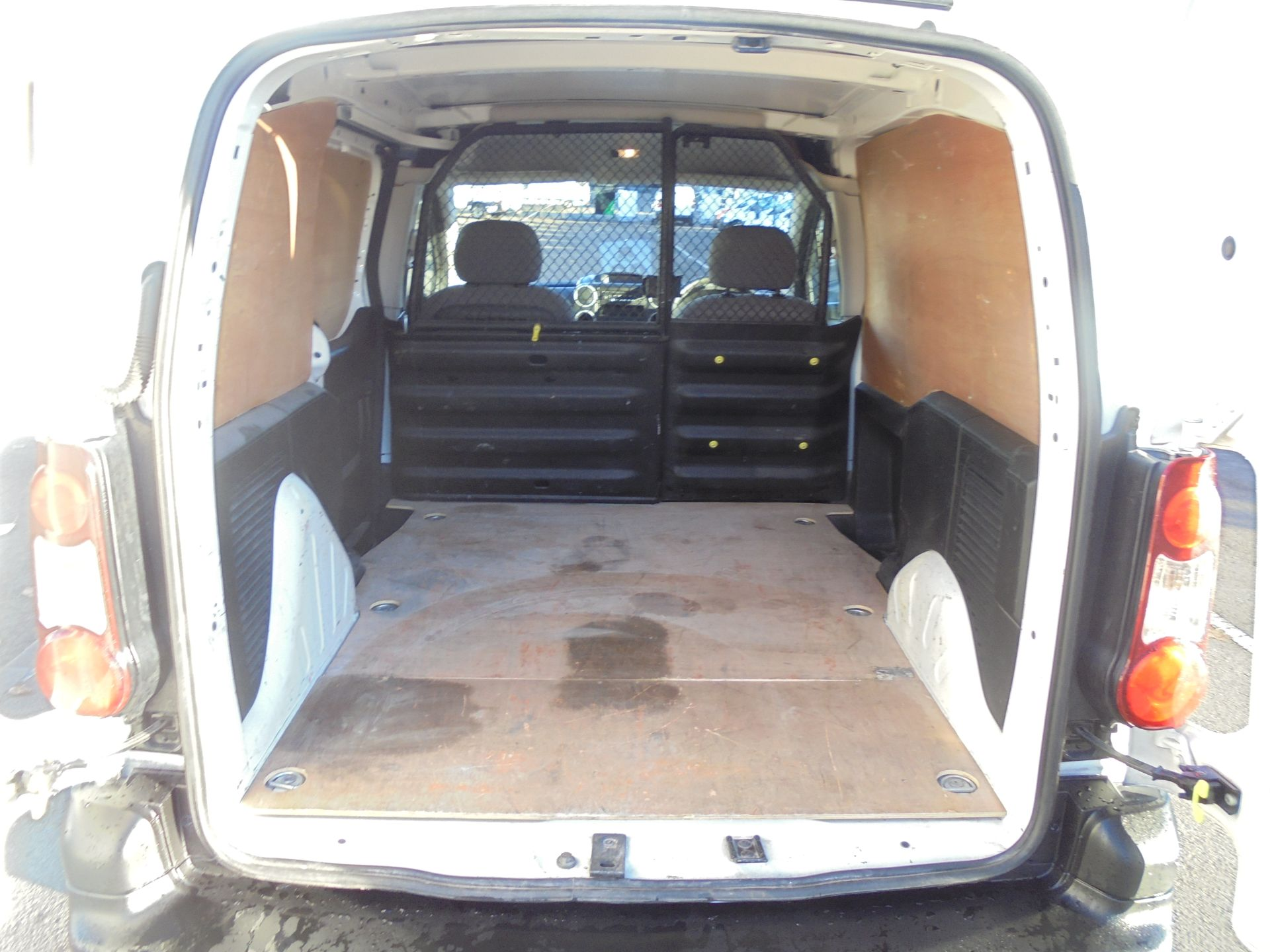 2016 Peugeot Partner 850 S 1.6 Hdi 92 Van [Sld] (NU16UXF) Image 24