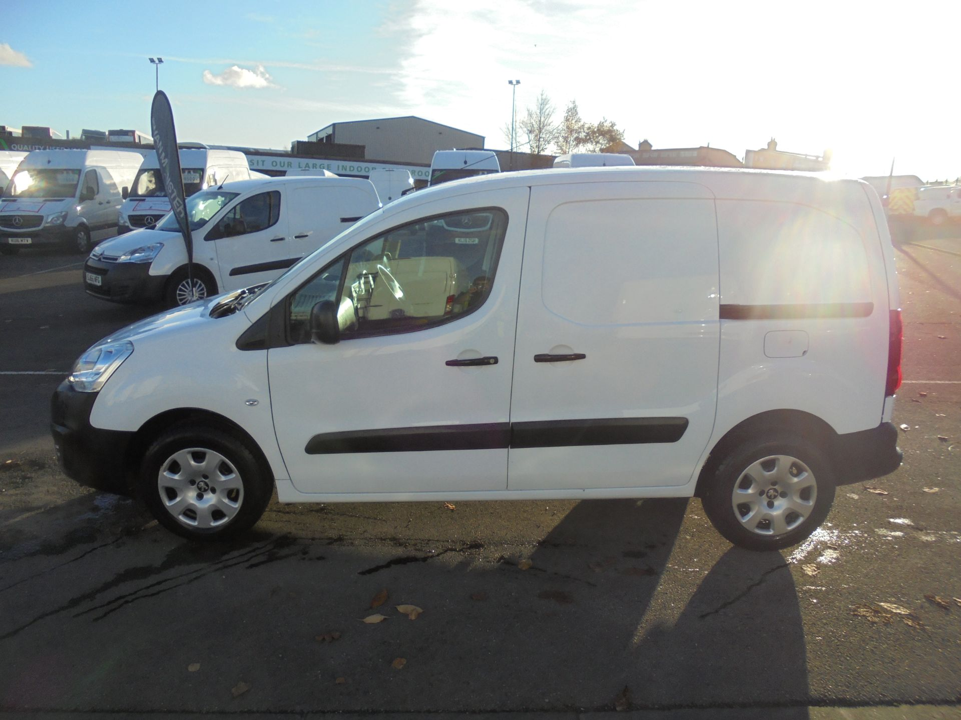 2016 Peugeot Partner 850 S 1.6 Hdi 92 Van [Sld] (NU16UXF) Image 4