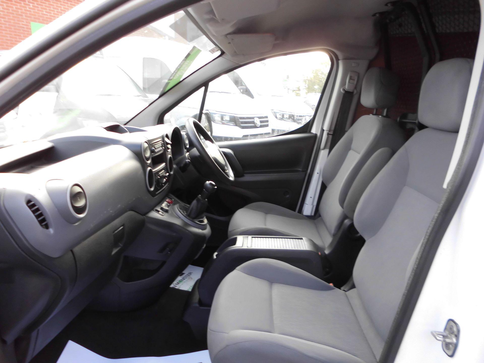 2016 Peugeot Partner L1 850 1.6 92PS EURO 5 (NU16UXR) Image 16