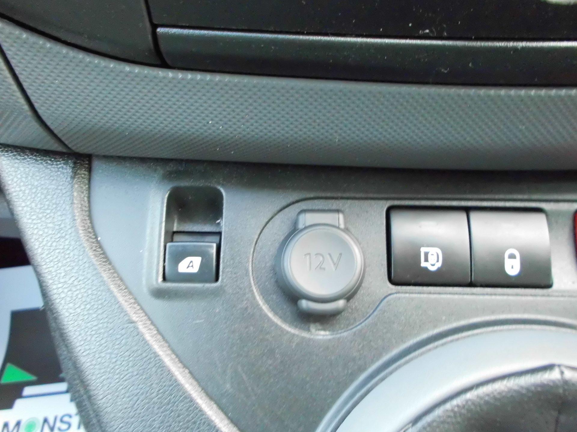 2016 Peugeot Partner L1 850 1.6 92PS EURO 5 (NU16UXR) Image 17