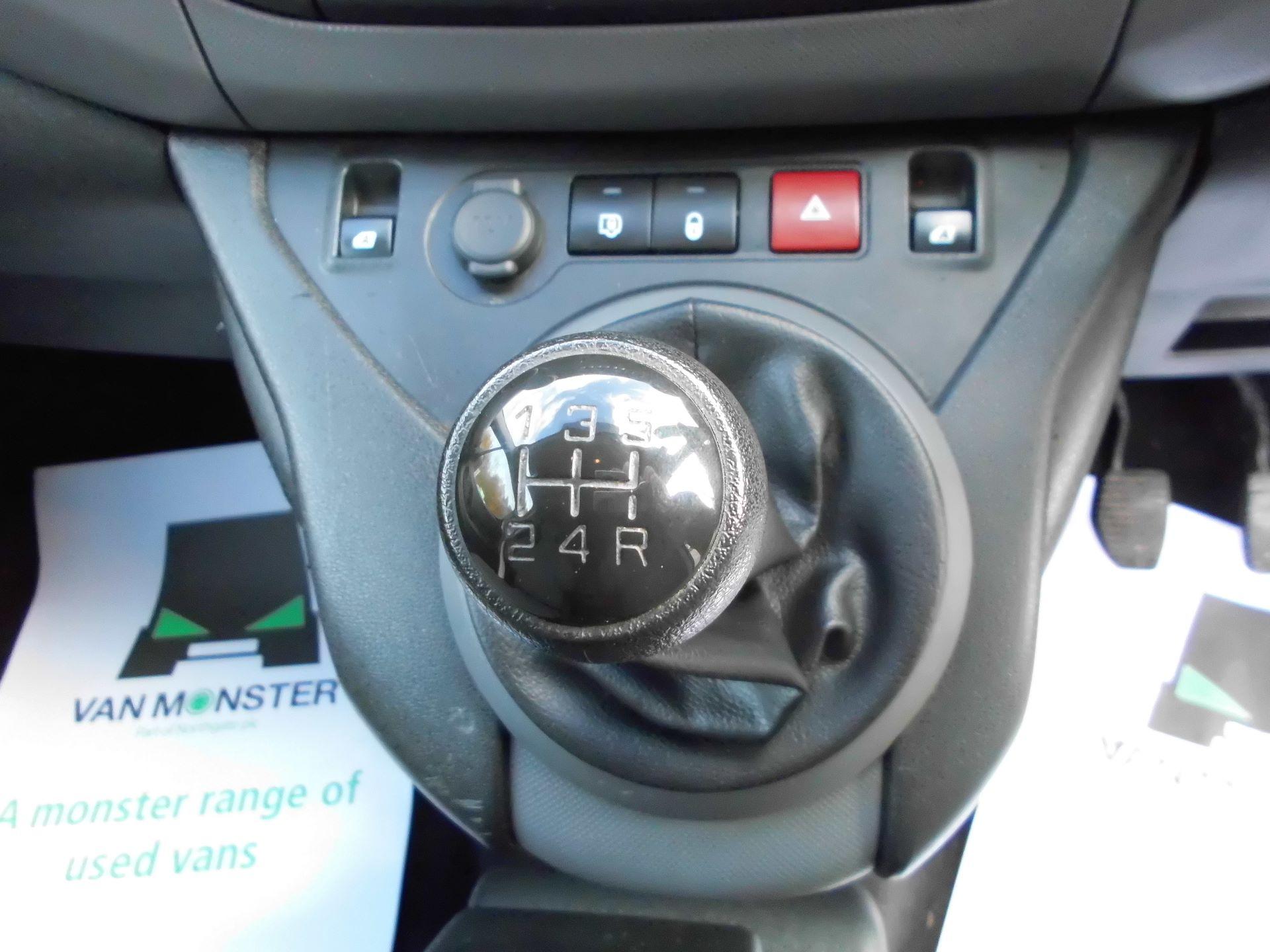 2016 Peugeot Partner L1 850 1.6 92PS EURO 5 (NU16UXR) Image 6