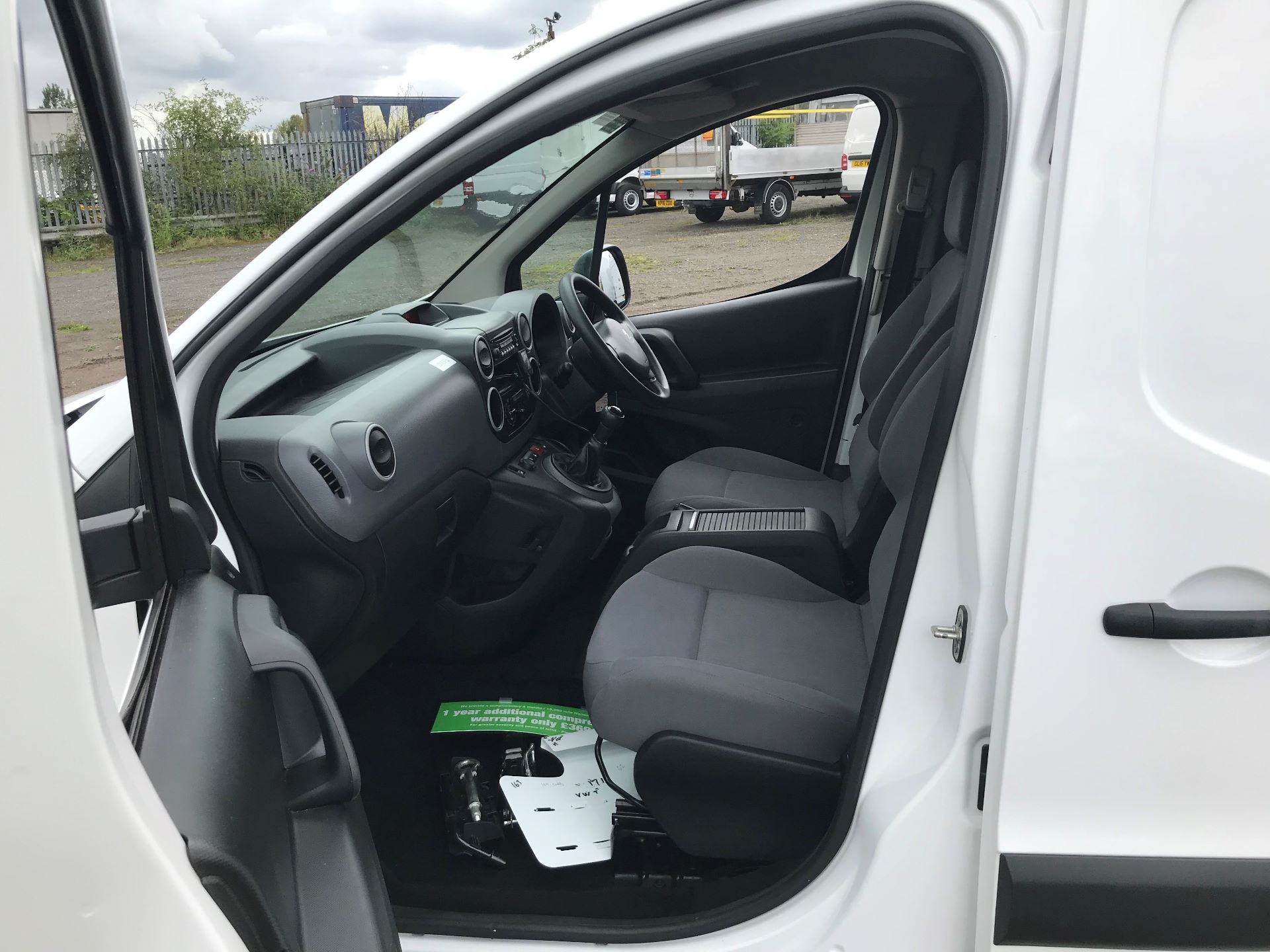 2016 Peugeot Partner 850 S 1.6 Hdi 92 Van [Sld] (NU16WTG) Image 12
