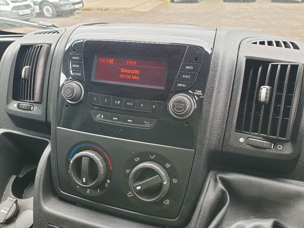 2016 Peugeot Boxer 2.2 Hdi L3 H2 Van 130Ps (NU16WTR) Image 21