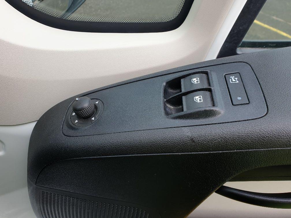 2016 Peugeot Boxer 2.2 Hdi L3 H2 Van 130Ps (NU16WTR) Image 16