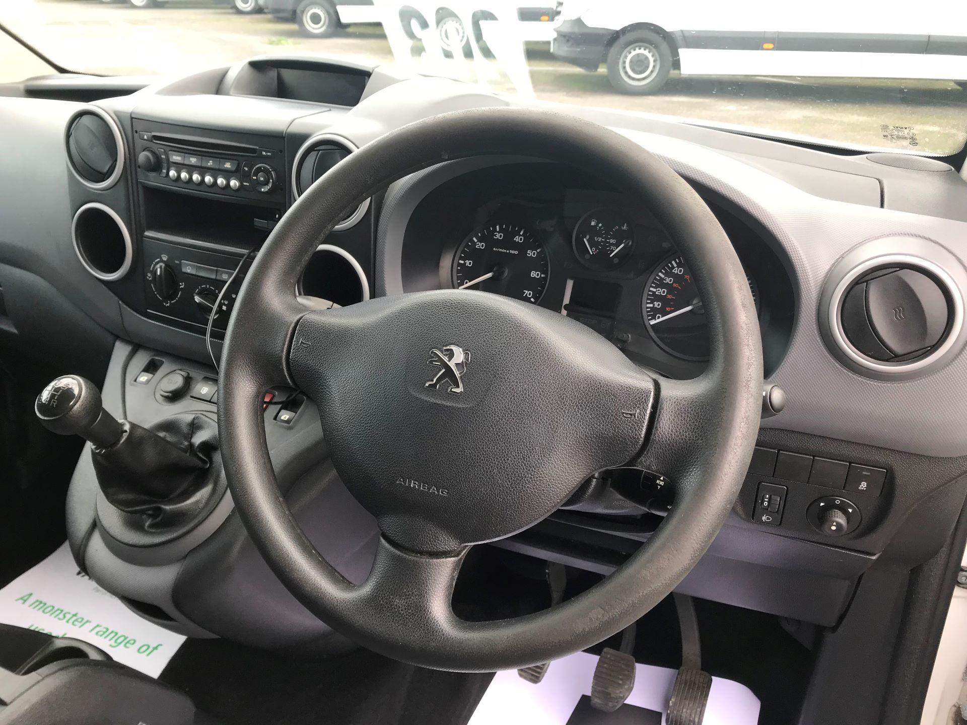 2016 Peugeot Partner  L2 715 S 1.6 92PS CREW EURO 5 (NU16XVX) Image 24