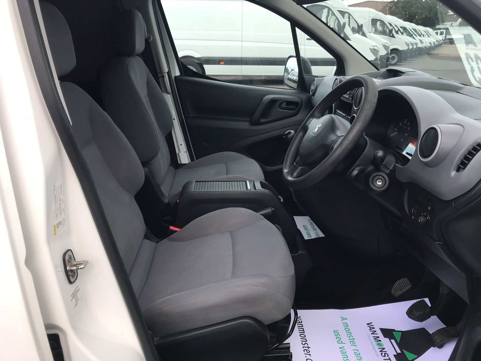 2016 Peugeot Partner  L2 715 S 1.6 92PS CREW EURO 5 (NU16XVX) Image 21