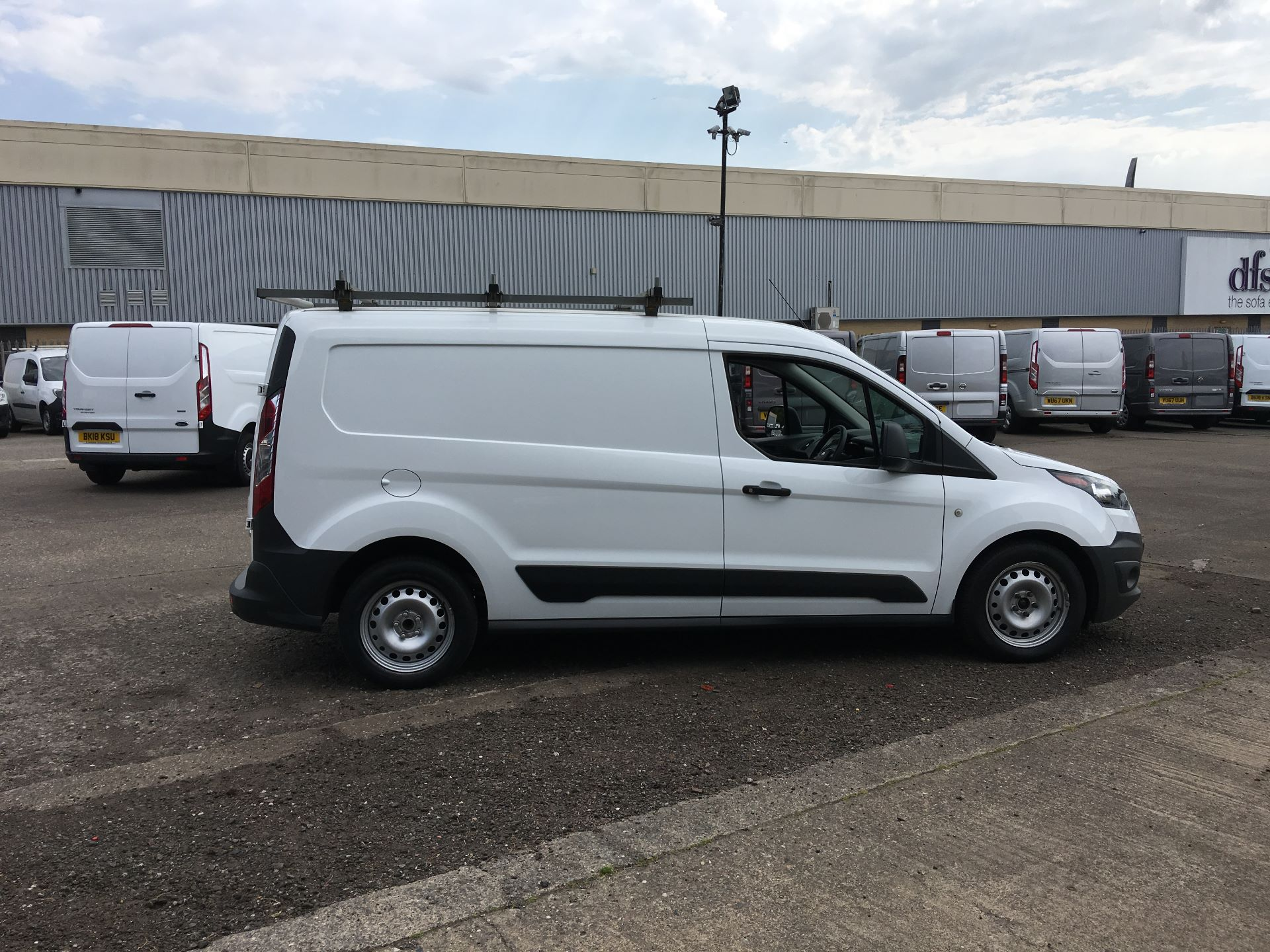 2016 Ford Transit Connect 220 L1 DIESEL 1.5 TDCI 100PS VAN EURO 6 (NU16YMA) Image 8
