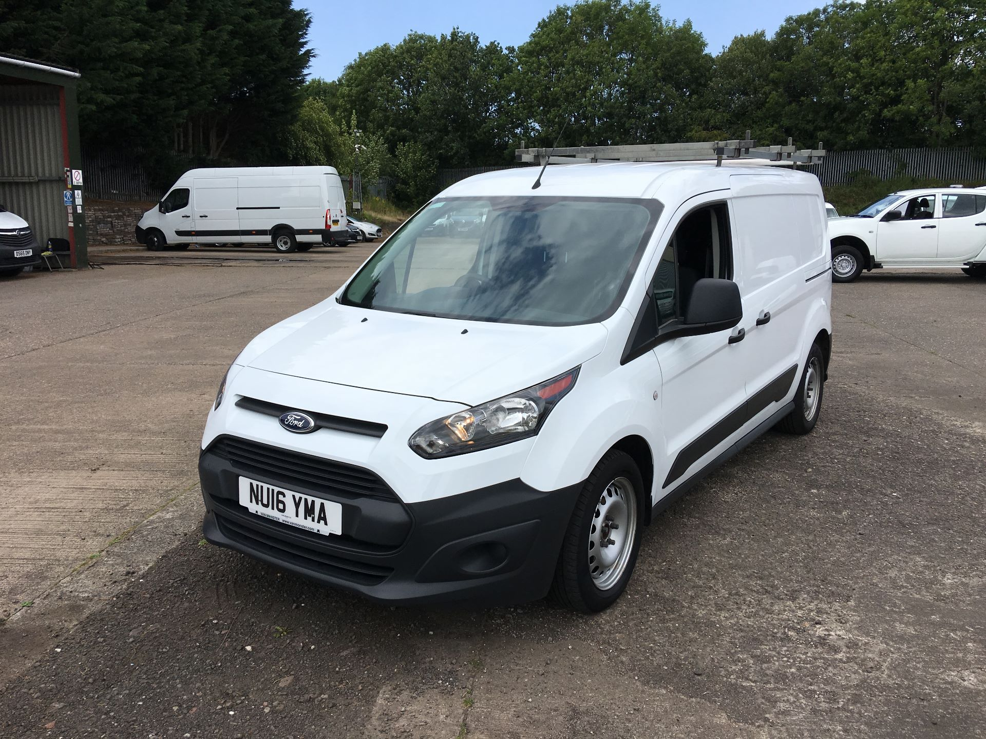 2016 Ford Transit Connect 220 L1 DIESEL 1.5 TDCI 100PS VAN EURO 6 (NU16YMA) Image 14