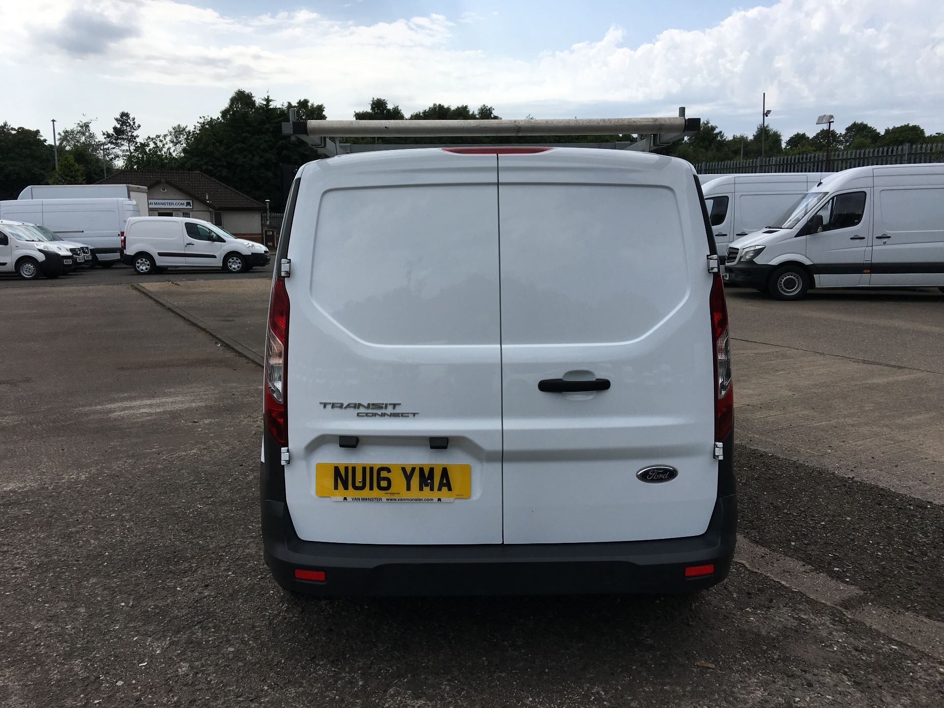 2016 Ford Transit Connect 220 L1 DIESEL 1.5 TDCI 100PS VAN EURO 6 (NU16YMA) Image 10