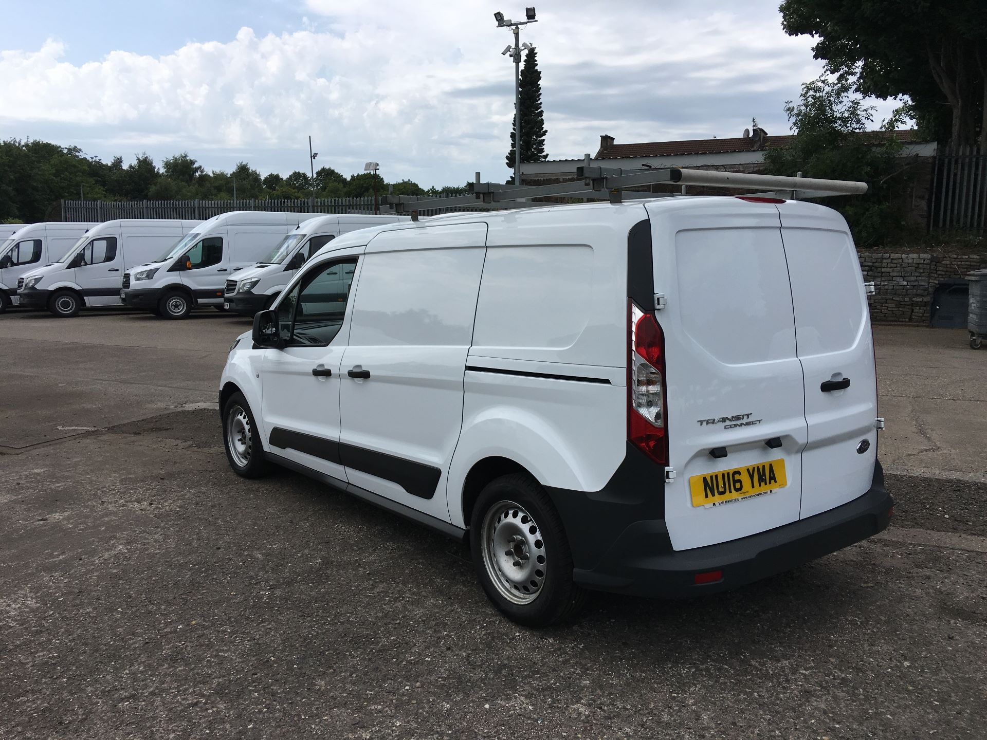 2016 Ford Transit Connect 220 L1 DIESEL 1.5 TDCI 100PS VAN EURO 6 (NU16YMA) Image 11