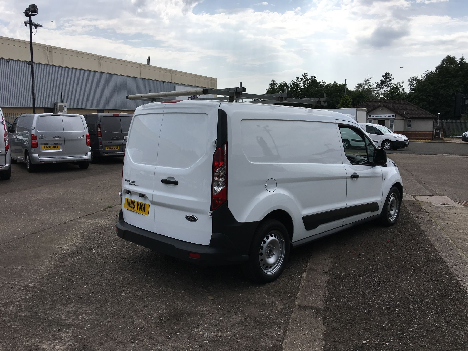 2016 Ford Transit Connect 220 L1 DIESEL 1.5 TDCI 100PS VAN EURO 6 (NU16YMA) Image 9