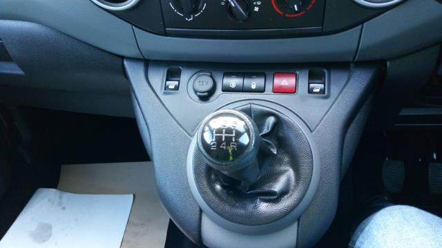 2017 Peugeot Partner 850 1.6 Bluehdi 100 Professional Van [Non Ss] (NU17BDE) Image 16