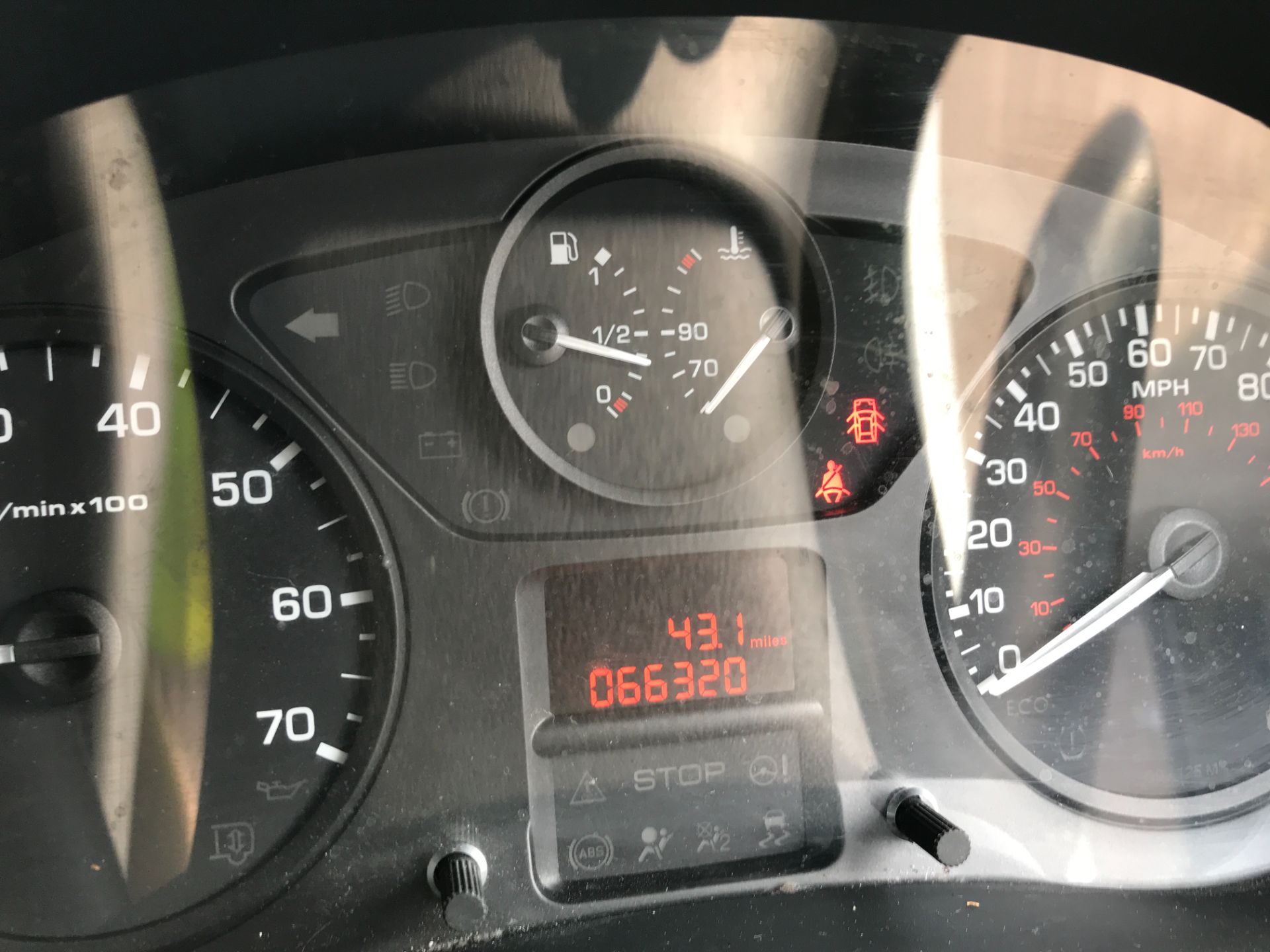2017 Peugeot Partner L1 850 1.6BLUEHDI 100PS PROFESSIONAL EURO 6 (NU17BFE) Image 6
