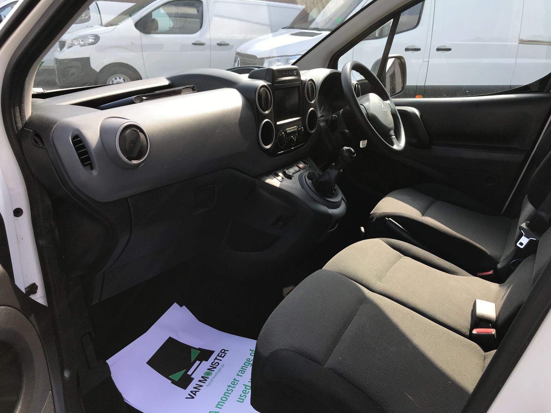 2017 Peugeot Partner L1 850 1.6BLUEHDI 100PS PROFESSIONAL EURO 6 (NU17BFE) Image 12