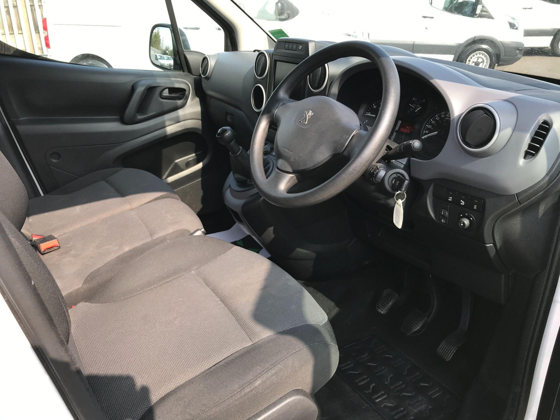 2017 Peugeot Partner L1 850 1.6BLUEHDI 100PS PROFESSIONAL EURO 6 (NU17BFE) Image 2