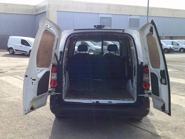 2017 Peugeot Partner 750 S L2 1.6 Bluehdi 100 Van [Non Start Stop] (NU17BFK) Image 17
