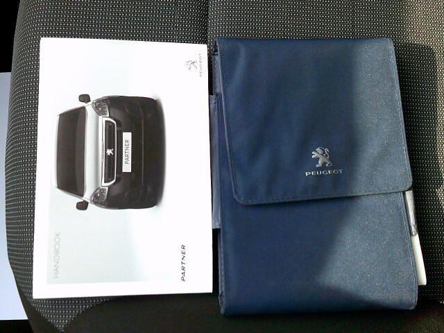 2017 Peugeot Partner 750 S L2 1.6 Bluehdi 100 Van [Non Start Stop] (NU17BFK) Image 22