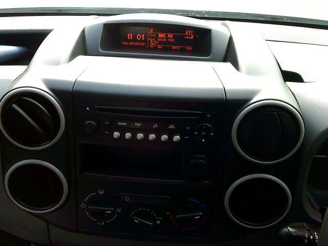 2017 Peugeot Partner 750 S L2 1.6 Bluehdi 100 Van [Non Start Stop] (NU17BFK) Image 3