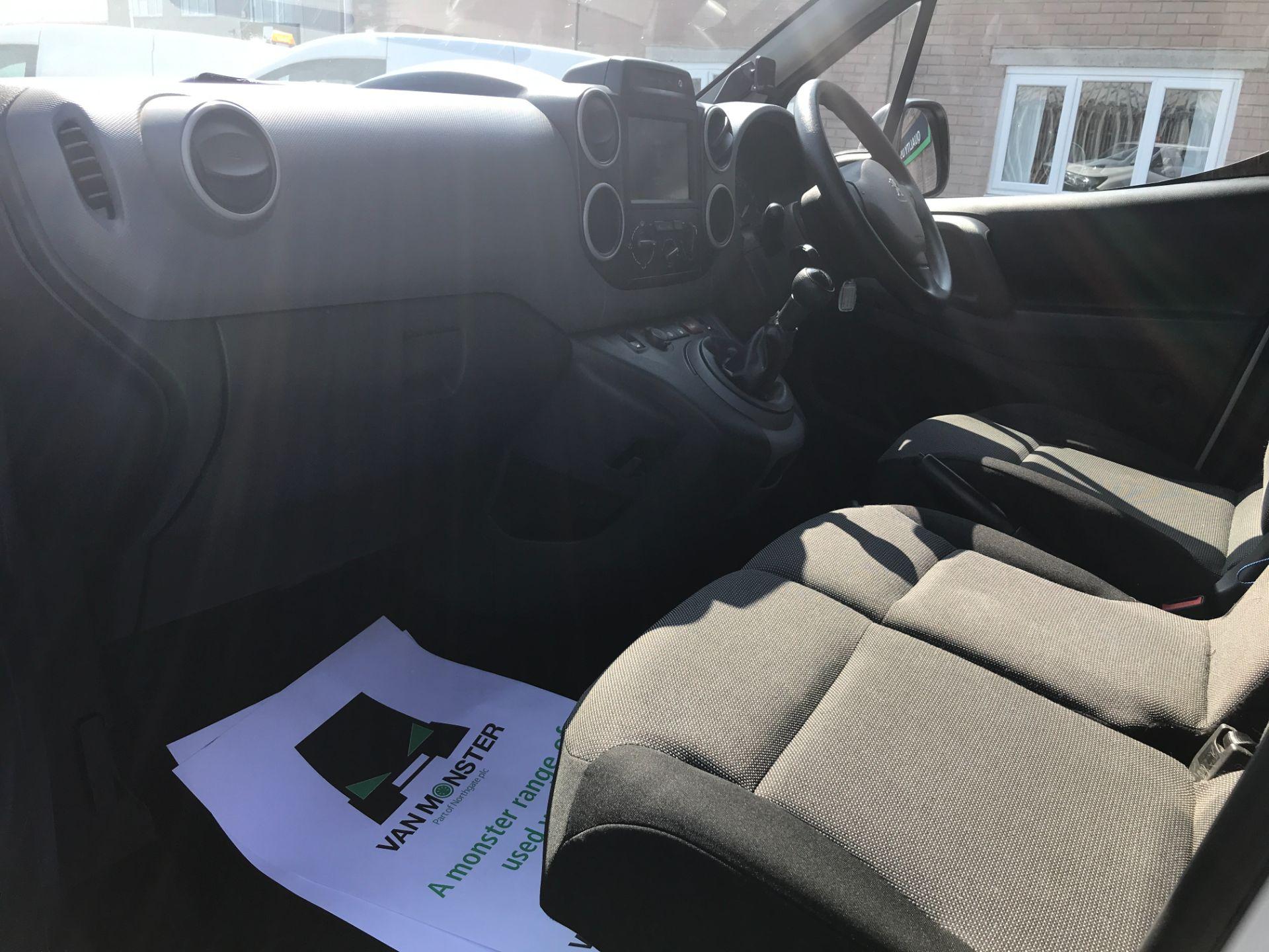 2017 Peugeot Partner L1 850 1.6BLUEHDI 100PS PROFESSIONAL EURO 6 (NU17BFP) Image 18