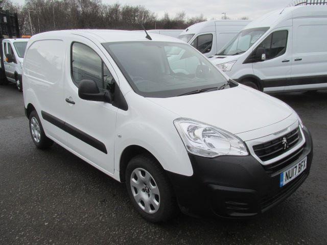 2017 Peugeot Partner L1 850 1.6 Bluehdi 100PS Professional Van [Non S/S] (NU17BFX) Image 1