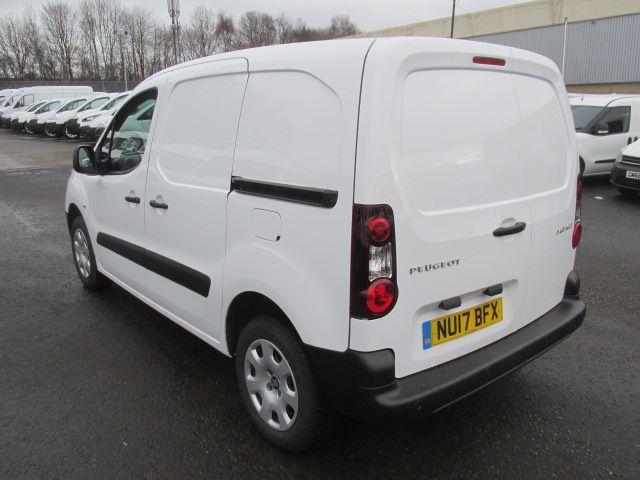 2017 Peugeot Partner L1 850 1.6 Bluehdi 100PS Professional Van [Non S/S] (NU17BFX) Image 13