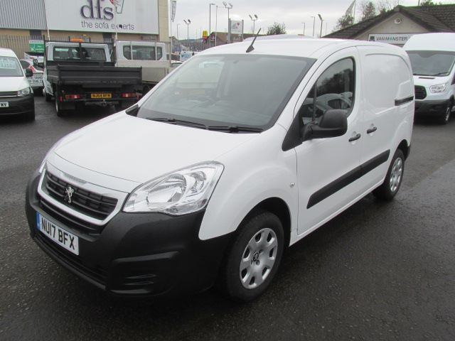 2017 Peugeot Partner L1 850 1.6 Bluehdi 100PS Professional Van [Non S/S] (NU17BFX) Image 18