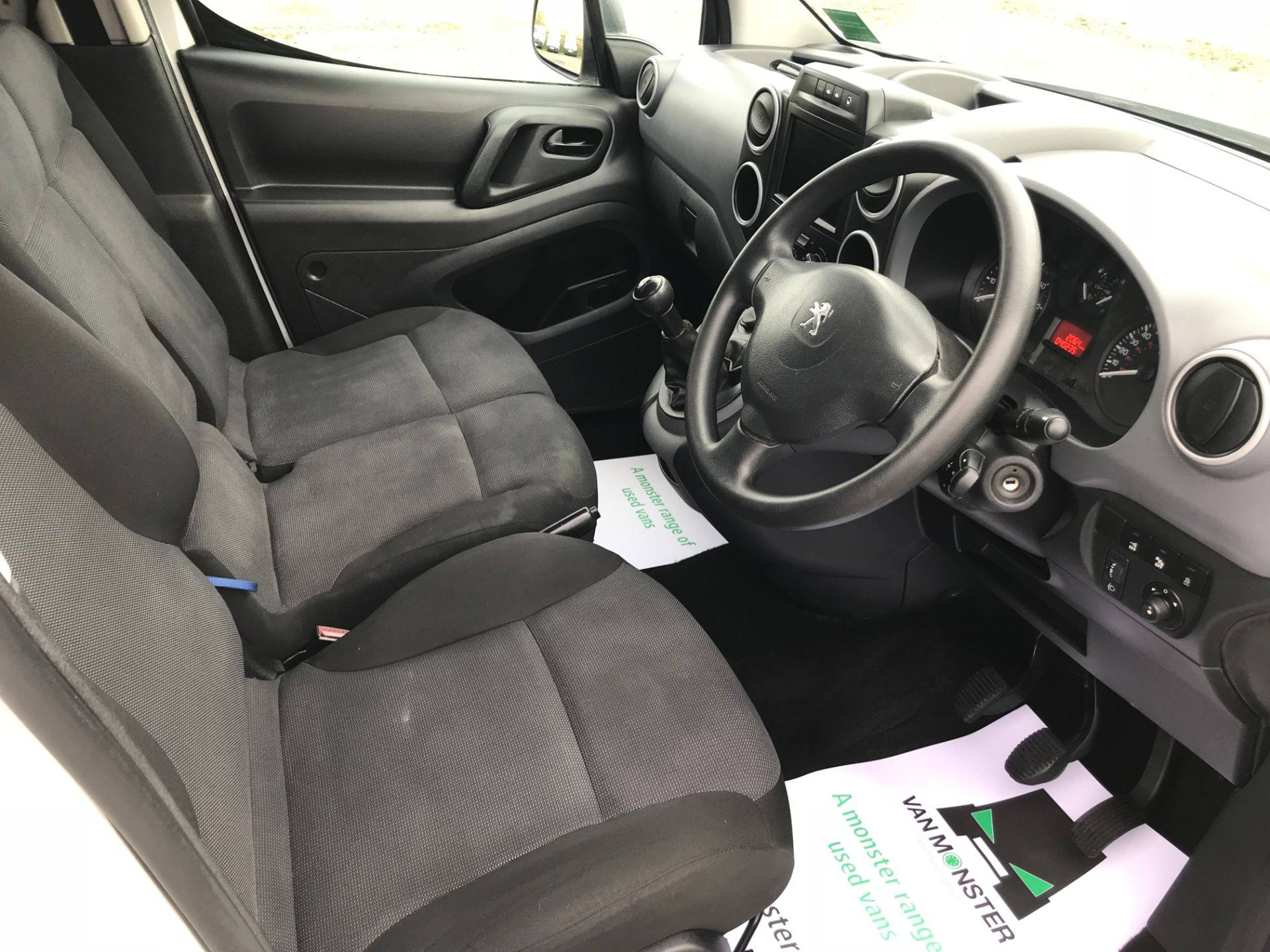 2017 Peugeot Partner 850 1.6 Bluehdi 100 Professional Van [Non Ss] (NU17BHA) Image 23