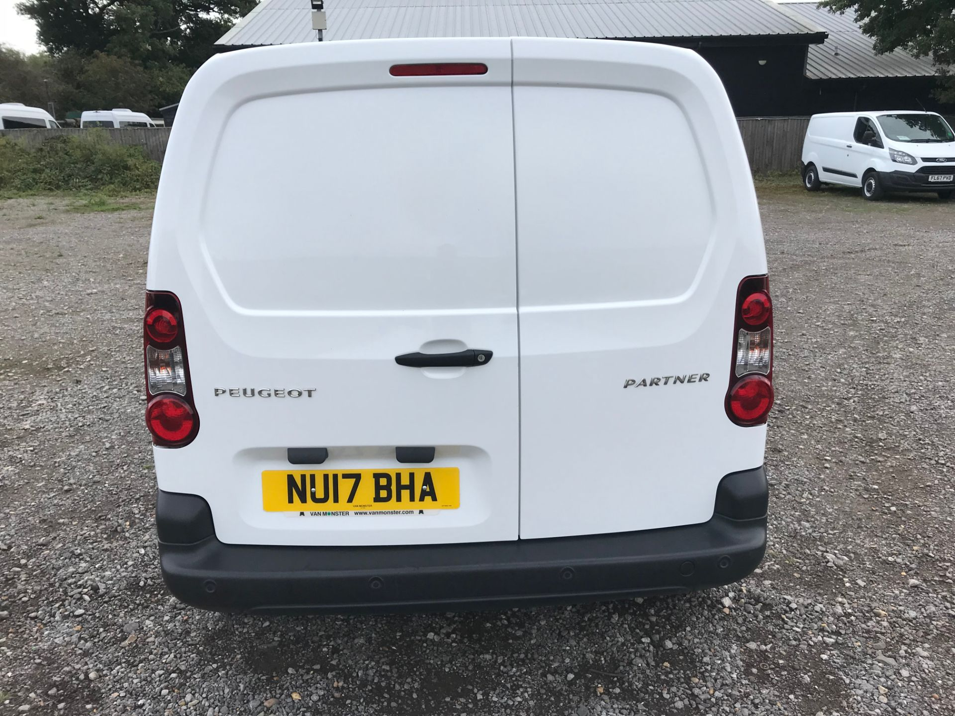 2017 Peugeot Partner 850 1.6 Bluehdi 100 Professional Van [Non Ss] (NU17BHA) Image 5