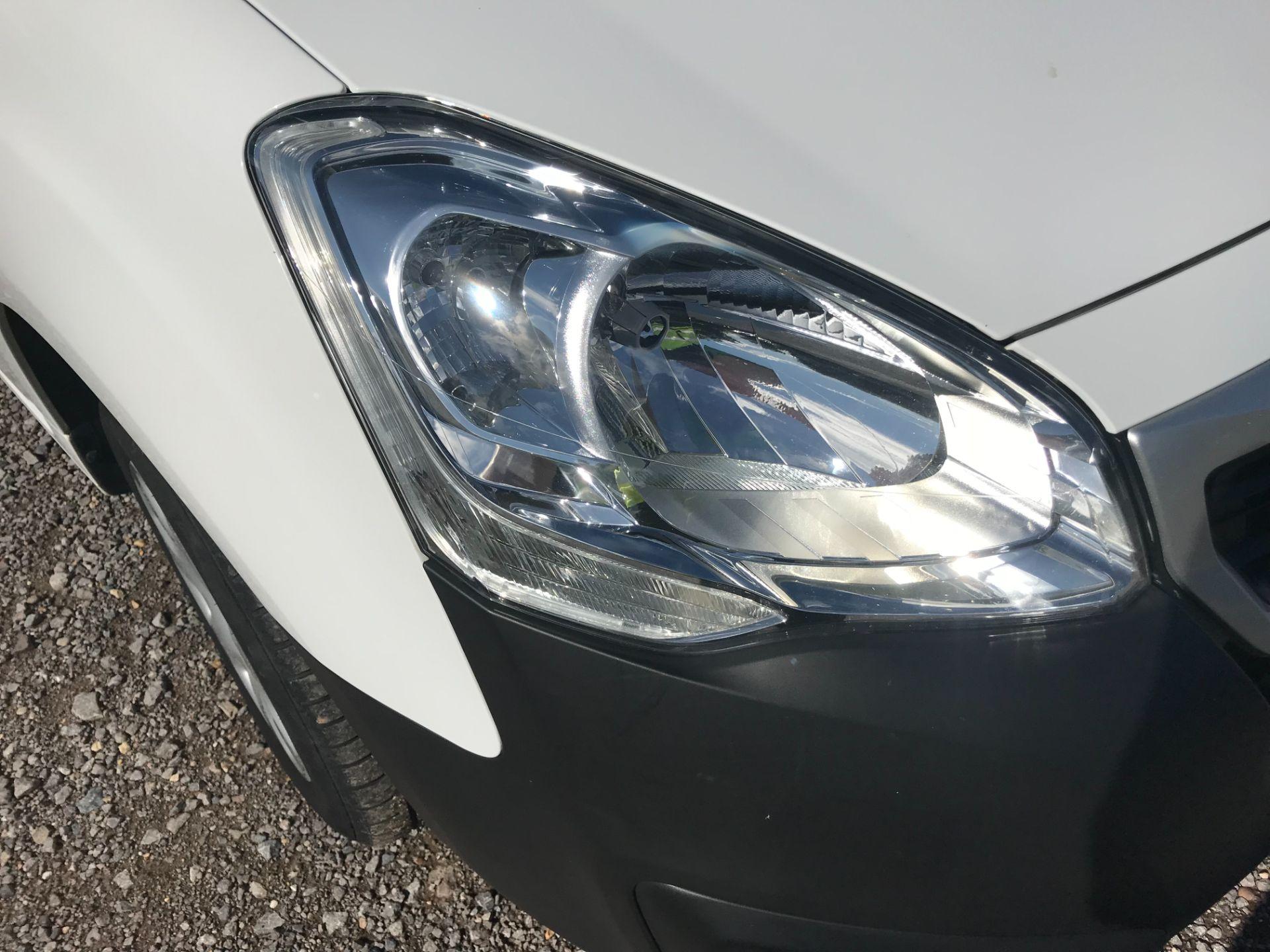 2017 Peugeot Partner 850 1.6 Bluehdi 100 Professional Van [Non Ss] (NU17BHW) Image 30