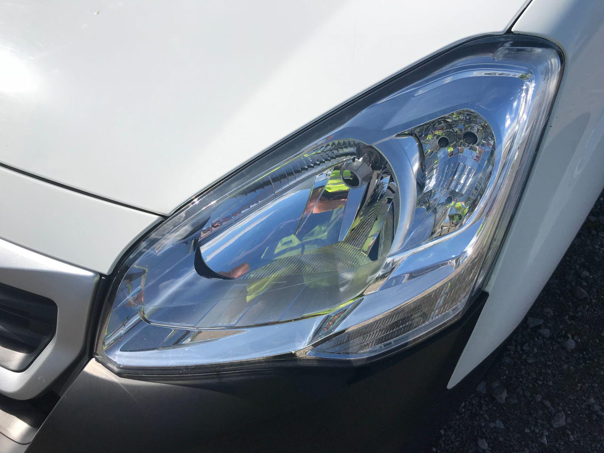 2017 Peugeot Partner 850 1.6 Bluehdi 100 Professional Van [Non Ss] (NU17BHW) Image 29