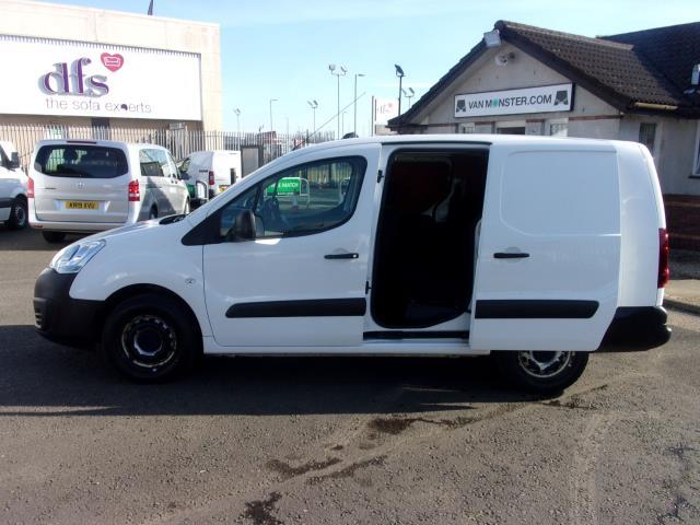 2017 Peugeot Partner 715 S 1.6 Bluehdi 100 Crew Van (NU17CXG) Image 21