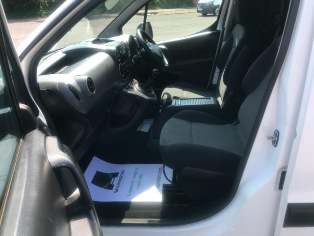 2017 Peugeot Partner 750 S 1.6 L2 Bluehdi 100 Van Non Start Stop Euro 6 (NU17EEW) Image 26
