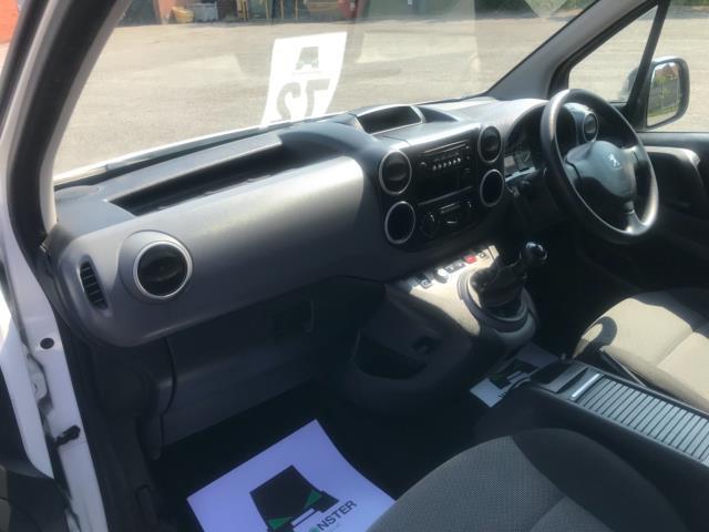 2017 Peugeot Partner 750 S 1.6 L2 Bluehdi 100 Van Non Start Stop Euro 6 (NU17EEW) Image 25
