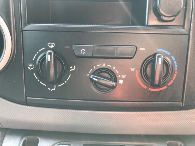 2017 Peugeot Partner 750 S 1.6 L2 Bluehdi 100 Van Non Start Stop Euro 6 (NU17EEW) Image 20