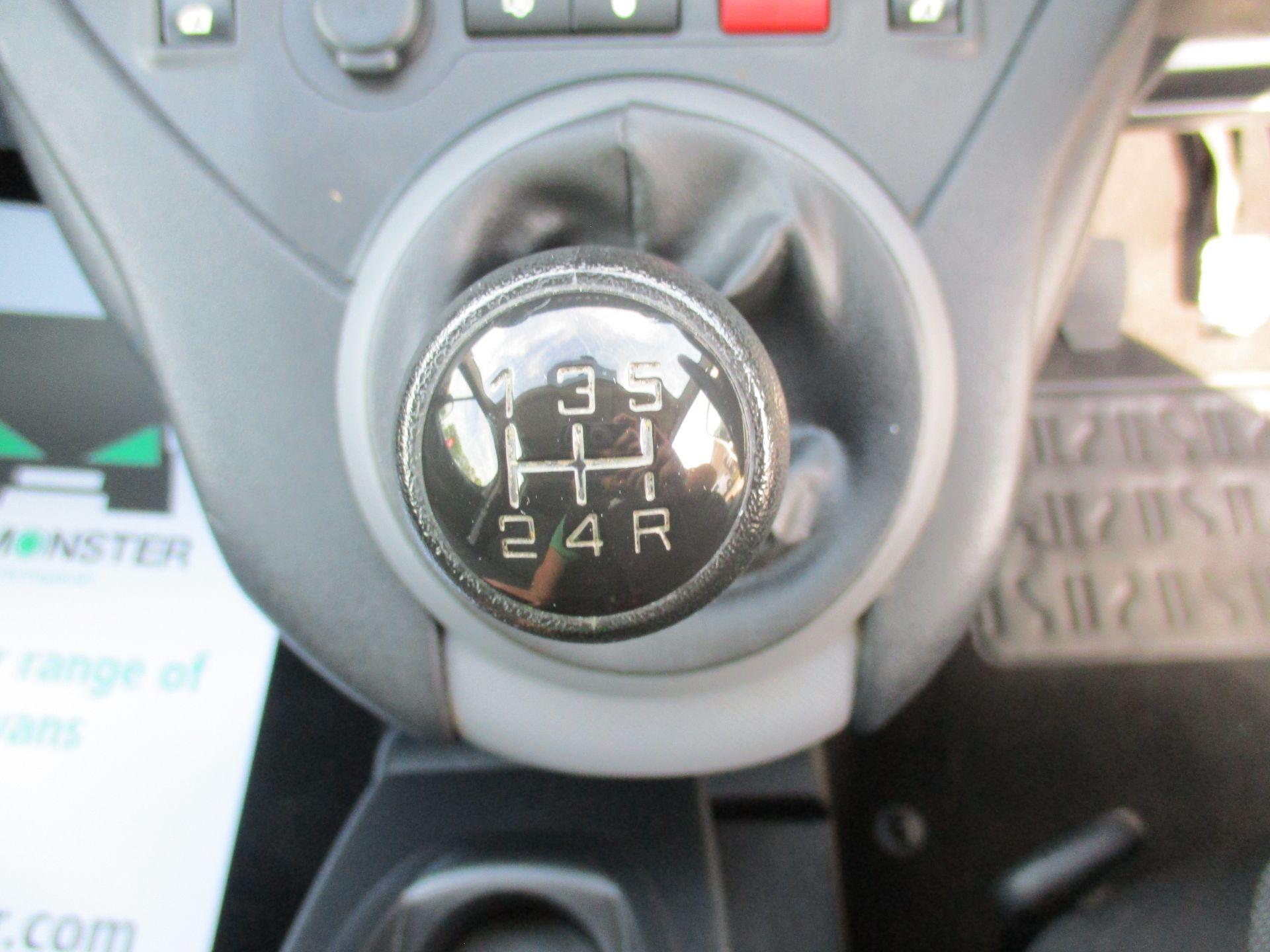 2017 Peugeot Partner 750 S 1.6 Bluehdi 100 Van [Non Start Stop] (NU17EEZ) Image 16