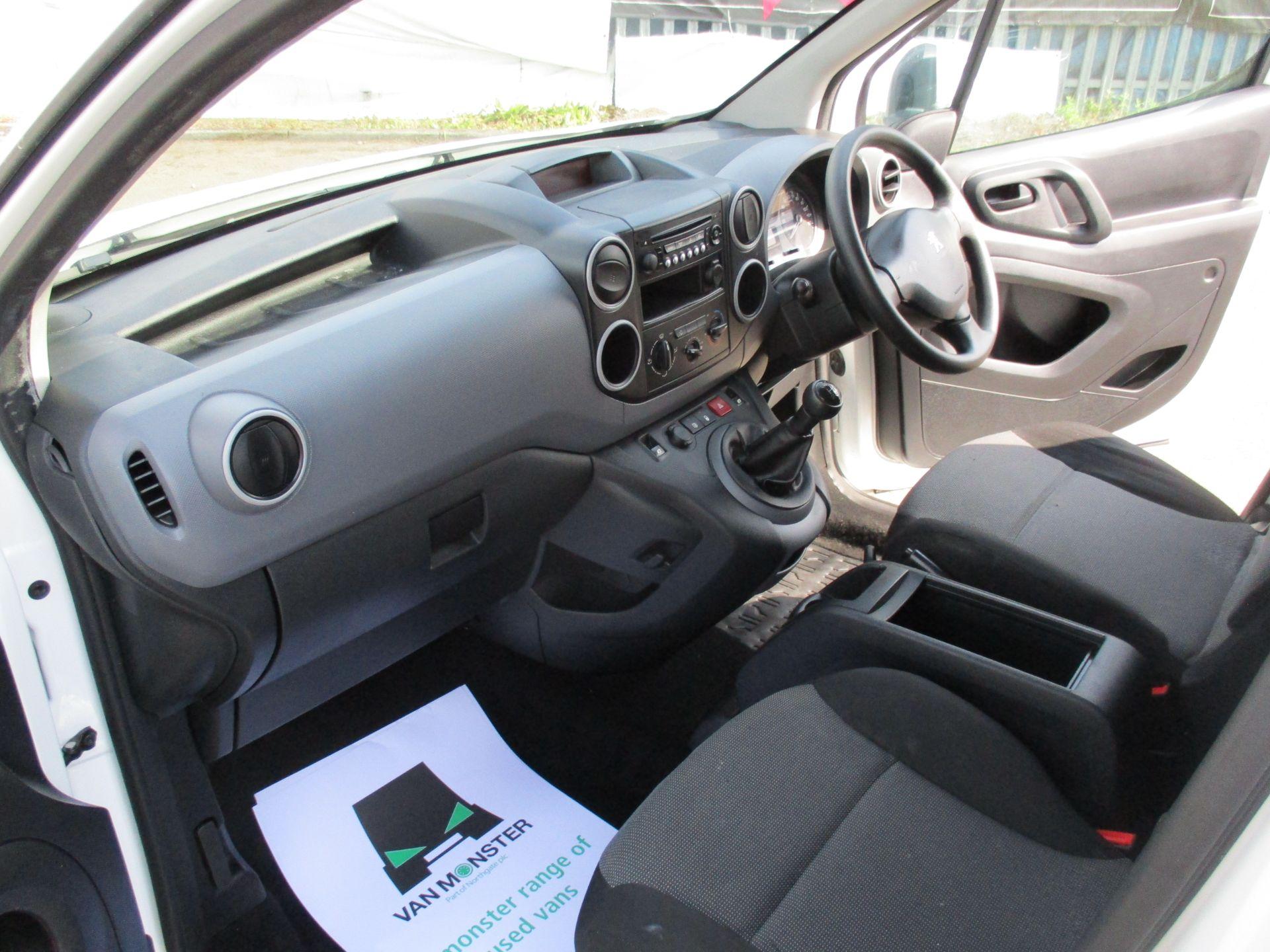 2017 Peugeot Partner 750 S 1.6 Bluehdi 100 Van [Non Start Stop] (NU17EEZ) Image 17