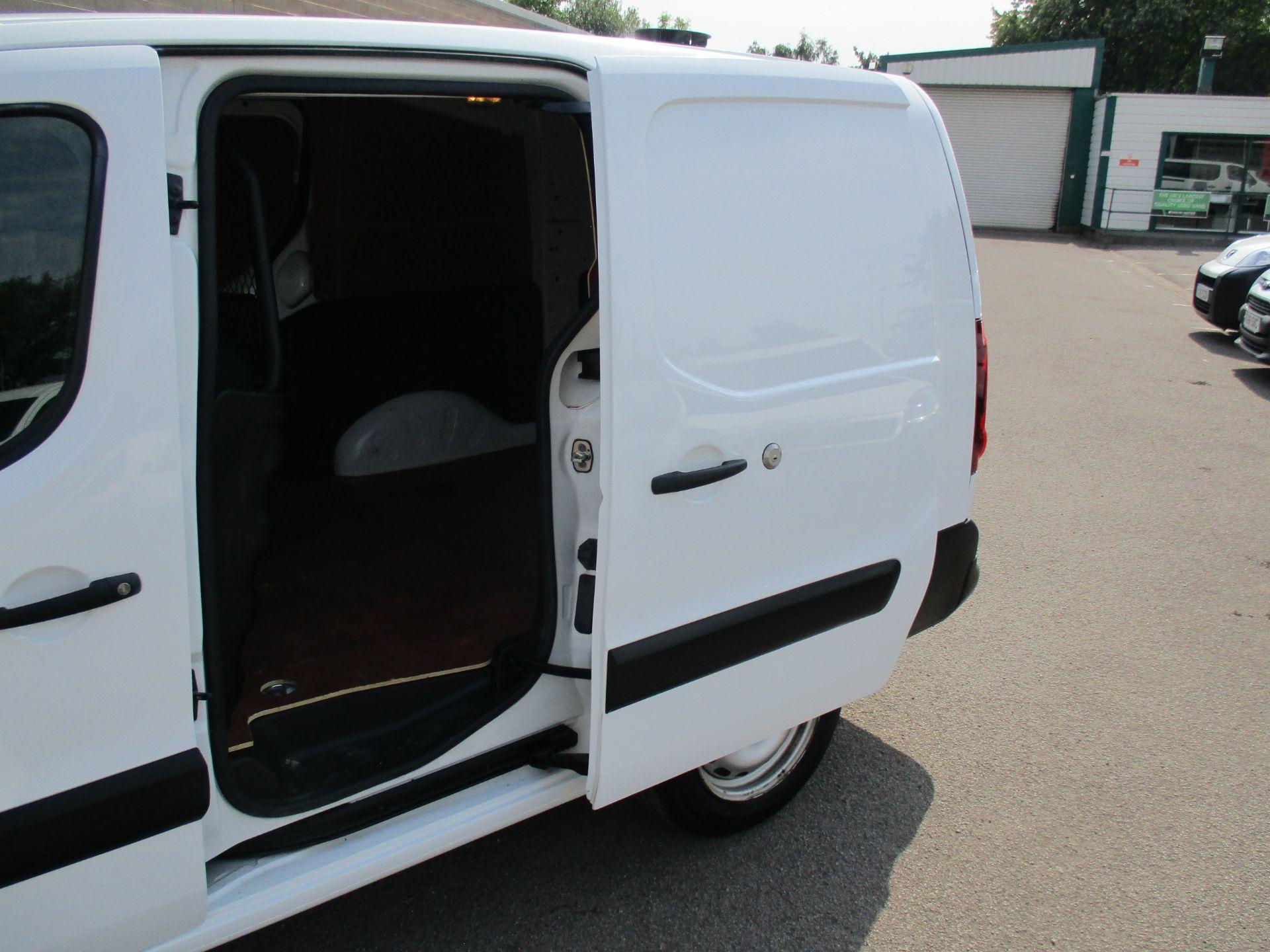 2017 Peugeot Partner 750 S 1.6 Bluehdi 100 Van [Non Start Stop] (NU17EEZ) Image 9