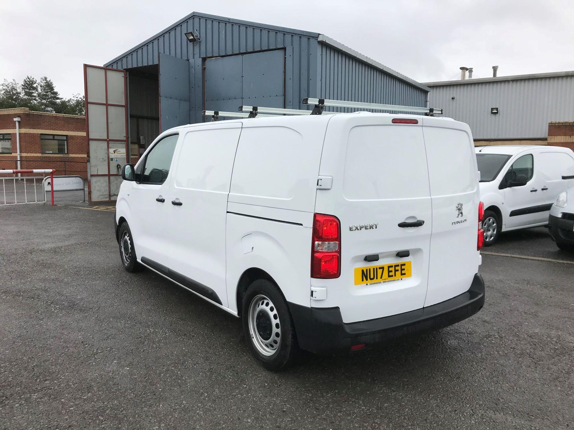 2017 Peugeot Expert 1000 1.6 Bluehdi 95 S Van (NU17EFE) Image 5